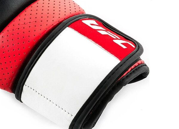 UFC PRO Перчатки для спарринга