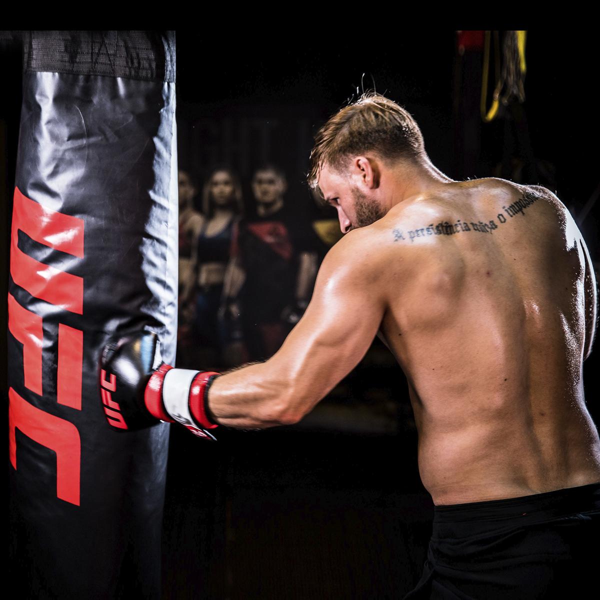 UFC Боксерский мешок 32 кг с наполнителем